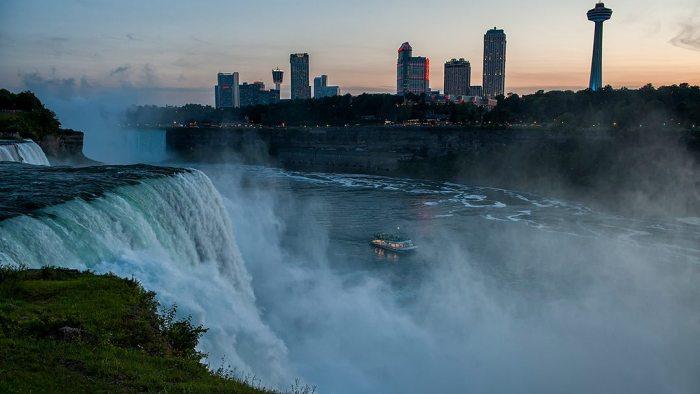 Hornblower-Niagara-Cruises-Visual-Asset-Library-Voyage-to-the-Falls-Evening-Niagara-Falls-Ontario-Canada